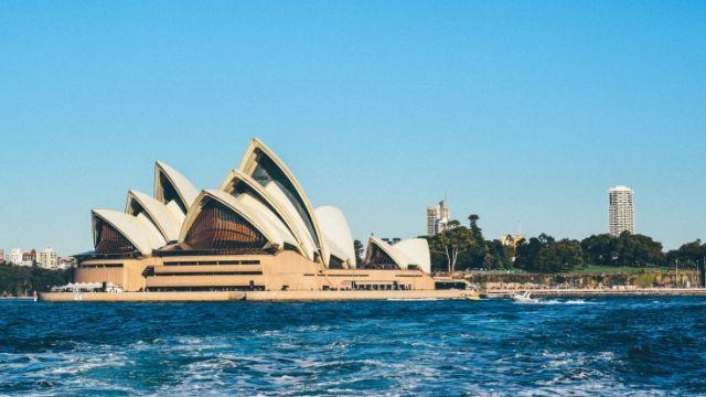 Cần đáp ứng các điều kiện khi mong muốn định cư tại Úc