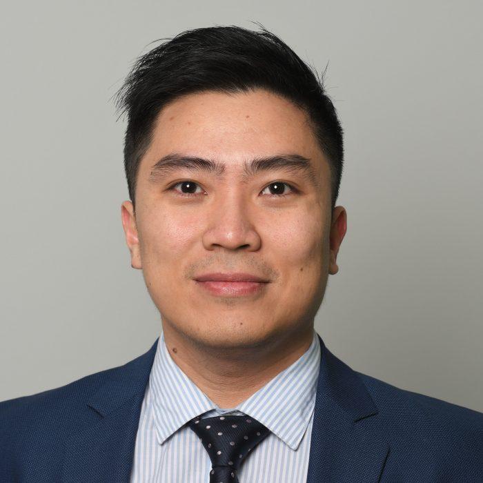 . Anh Trần Đắc Minh Trung - tốt nghiệp Cử nhân Đại học Pennsylvania, Thạc sĩ Giáo dục Đại học Harvard
