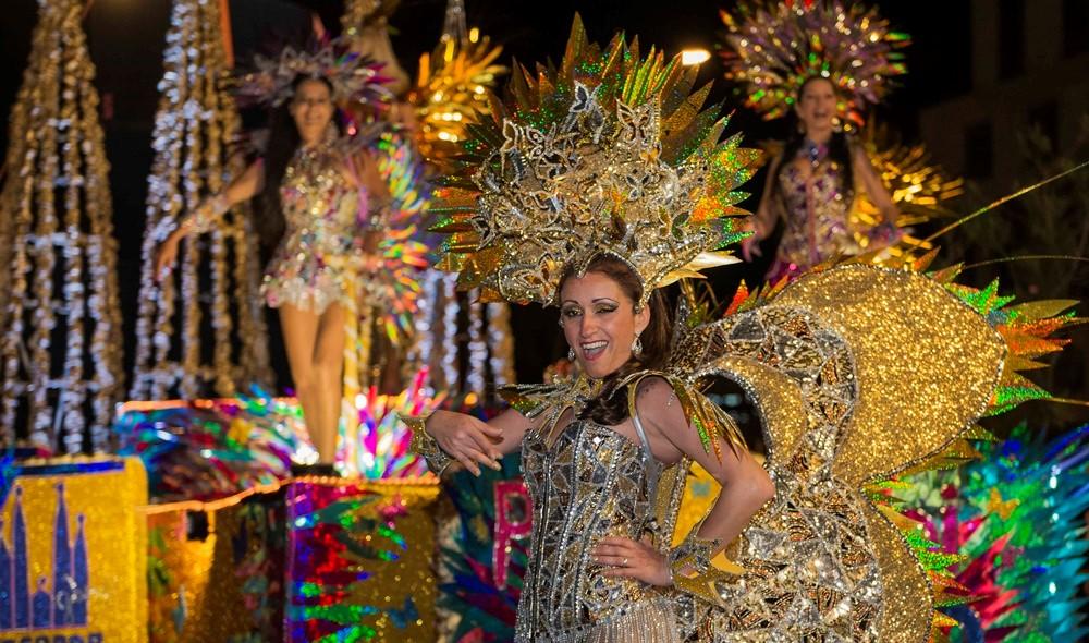 Các lễ hội lớn thường được tổ chức ở Lisbon và Porto