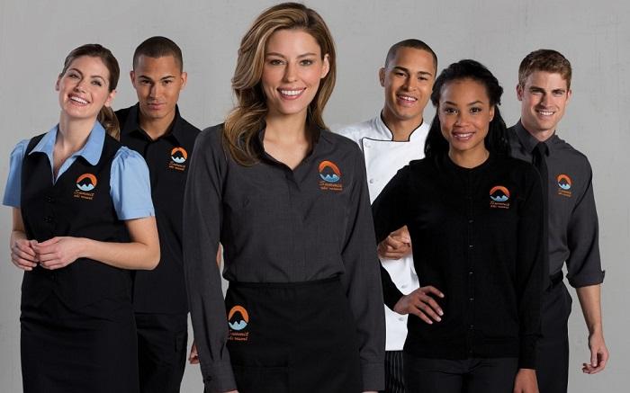 Đồng phục công sở góp phần làm tăng sự chuyên nghiệp của doanh nghiệp