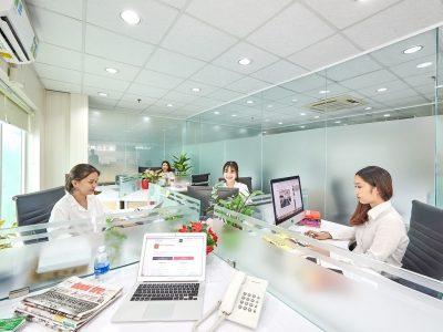 Không gian làm việc tại văn phòng doanh nghiệp