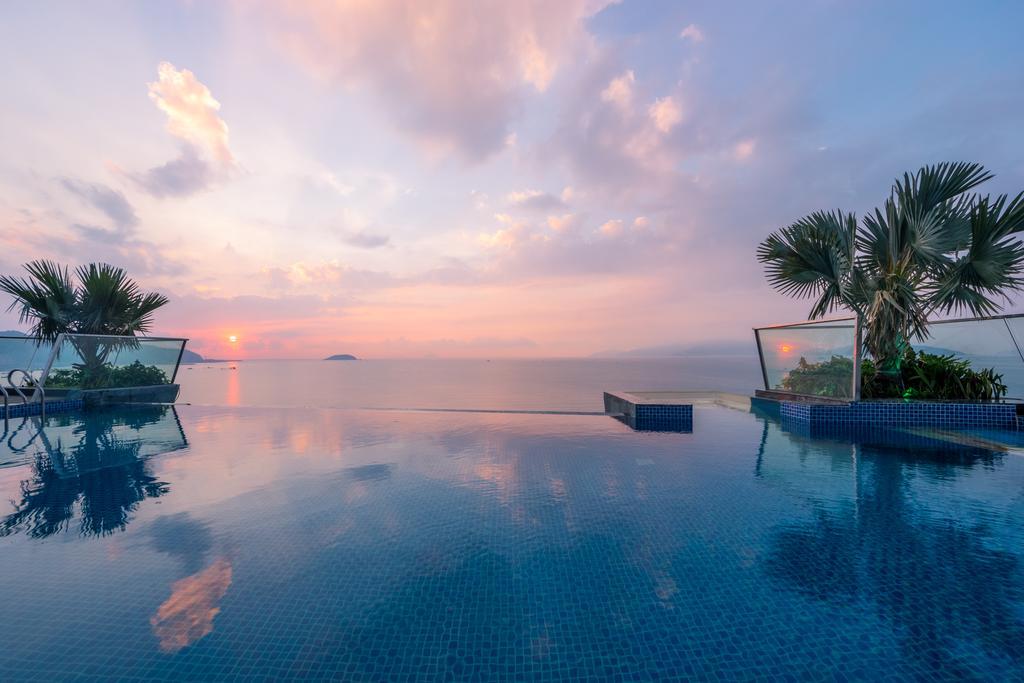 Green Beach Nha Trang với bể bơi ngắm hoàng hôn cực mê