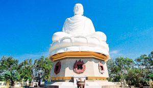 Chùa Long Sơn sở hữu tượng Phật cao đến 24m