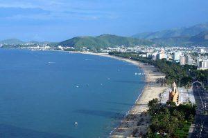 Bãi biển trung tâm Tp Nha Trang trên đường Trần Phú